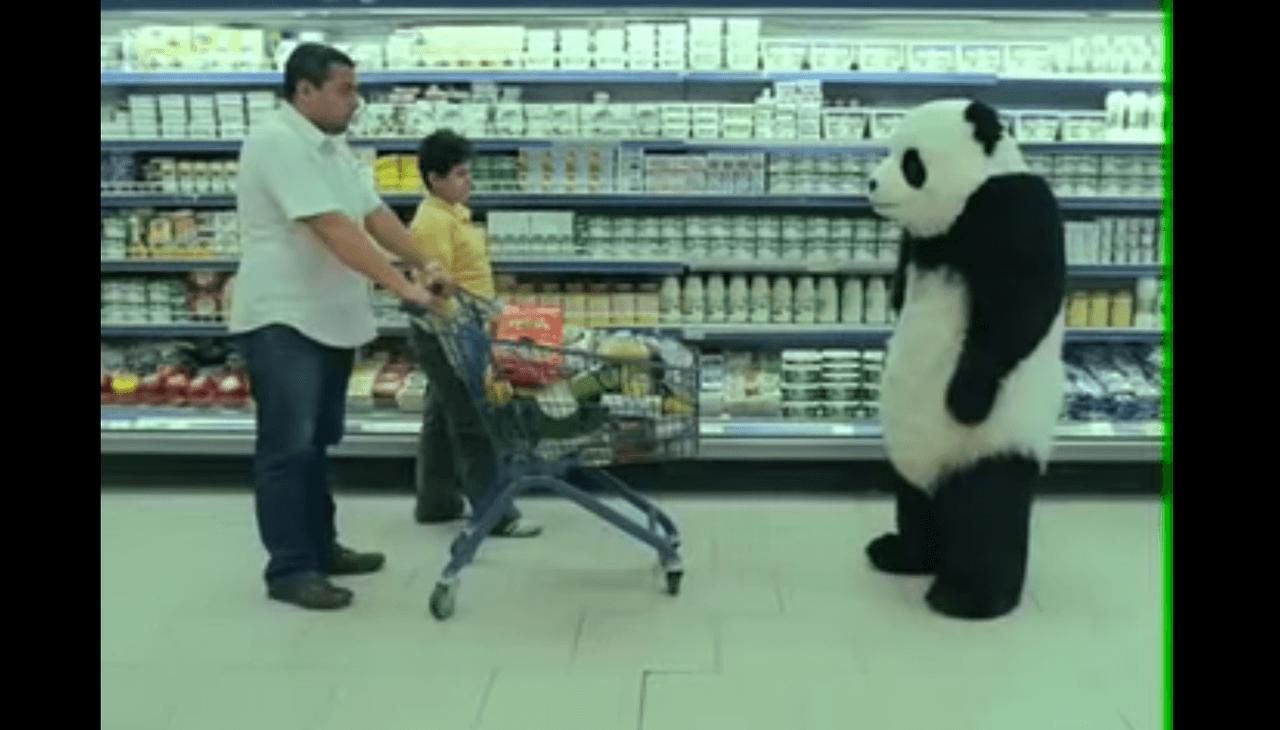 鬼畜パンダの静かな逆襲!エジプトのパンダチーズのCMがシュールすぎる