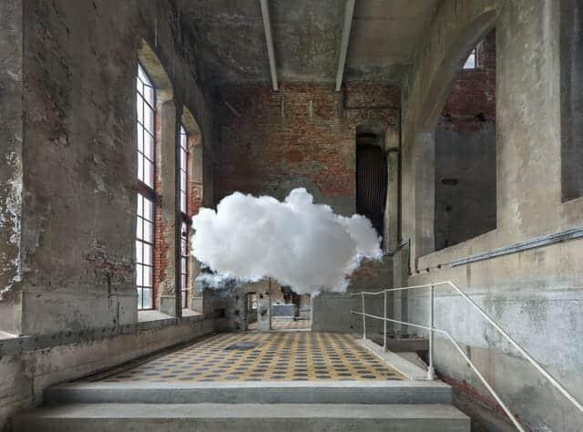 Berndnaut Smildeさんの雲のアート
