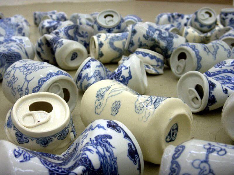 Lei Xueのセラミックの空き缶アート作品