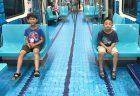 台湾のユニバーシアード競技大会の地下鉄広告/水泳会場を模したプール