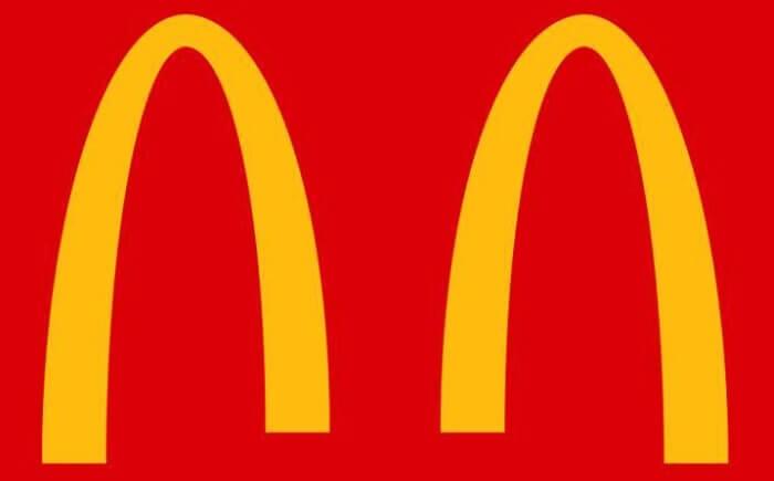 マクドナルドのソーシャルディスタンスのアレンジがされた企業ロゴ