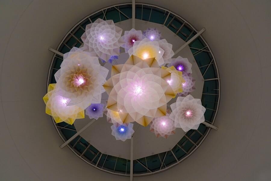 【Studio Drift MEADOW】 天井に花々が咲き乱れる素敵なモーションセンサーのライト