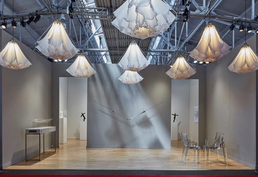 【Studio Drift SHYLIGHT】 天井に花々が咲き乱れる素敵なモーションセンサーのライト