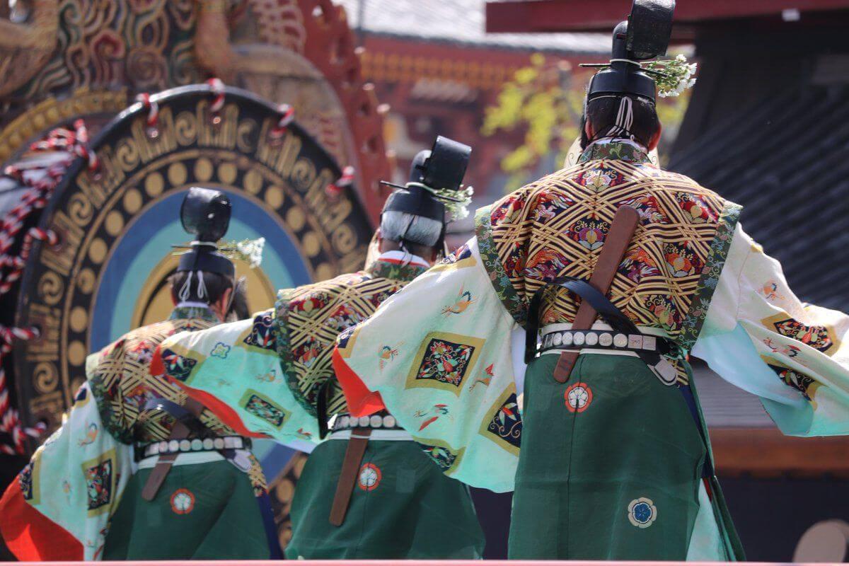 「千と千尋」の春日様を彷彿される四天王寺聖霊会の舞楽